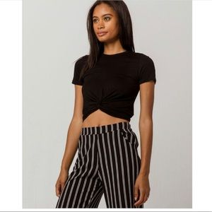 Black tie in front cropped tee